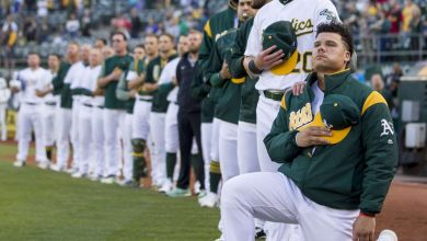 Photo of Bruce Maxwell, 1st MLB player to kneel, signs a deal to join the Mexican League