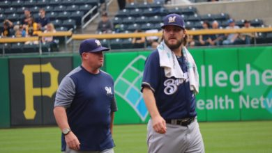 Photo of Reds Sign Wade Miley